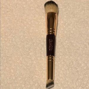 Charlotte Tilbury Hollywood Complexion Brush